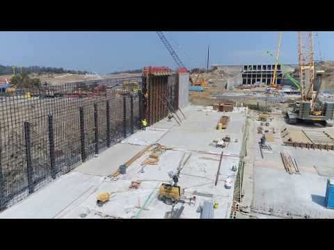 Oroville dam spillway reconstruction, California