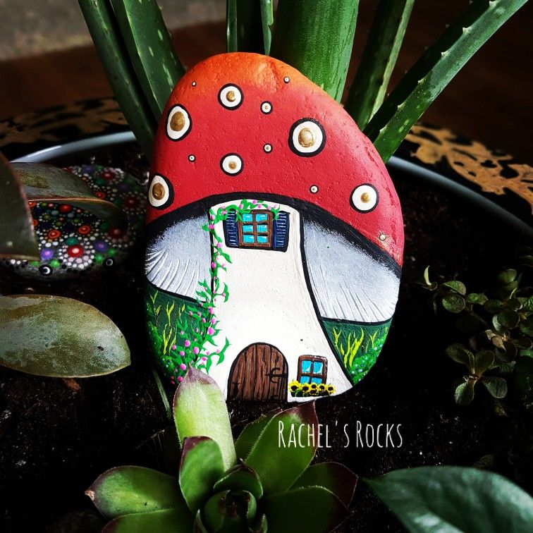 pin de gina painter en hand painted rock ideas pinterest Pebble Fairy House diy rock fairy house