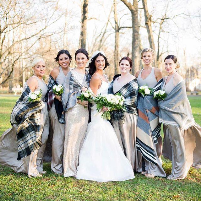 Winter Wedding. Wedding Shrugs. White wedding Flowers