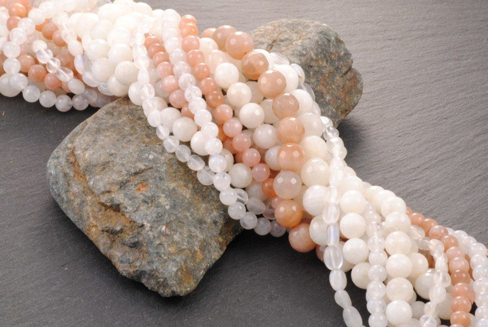Moonstone - Evolution, Intuition and Healing