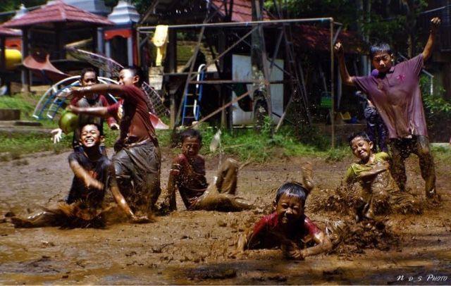 Begini Keseruan Outbond di Sekolah Alam Bandung - idenide