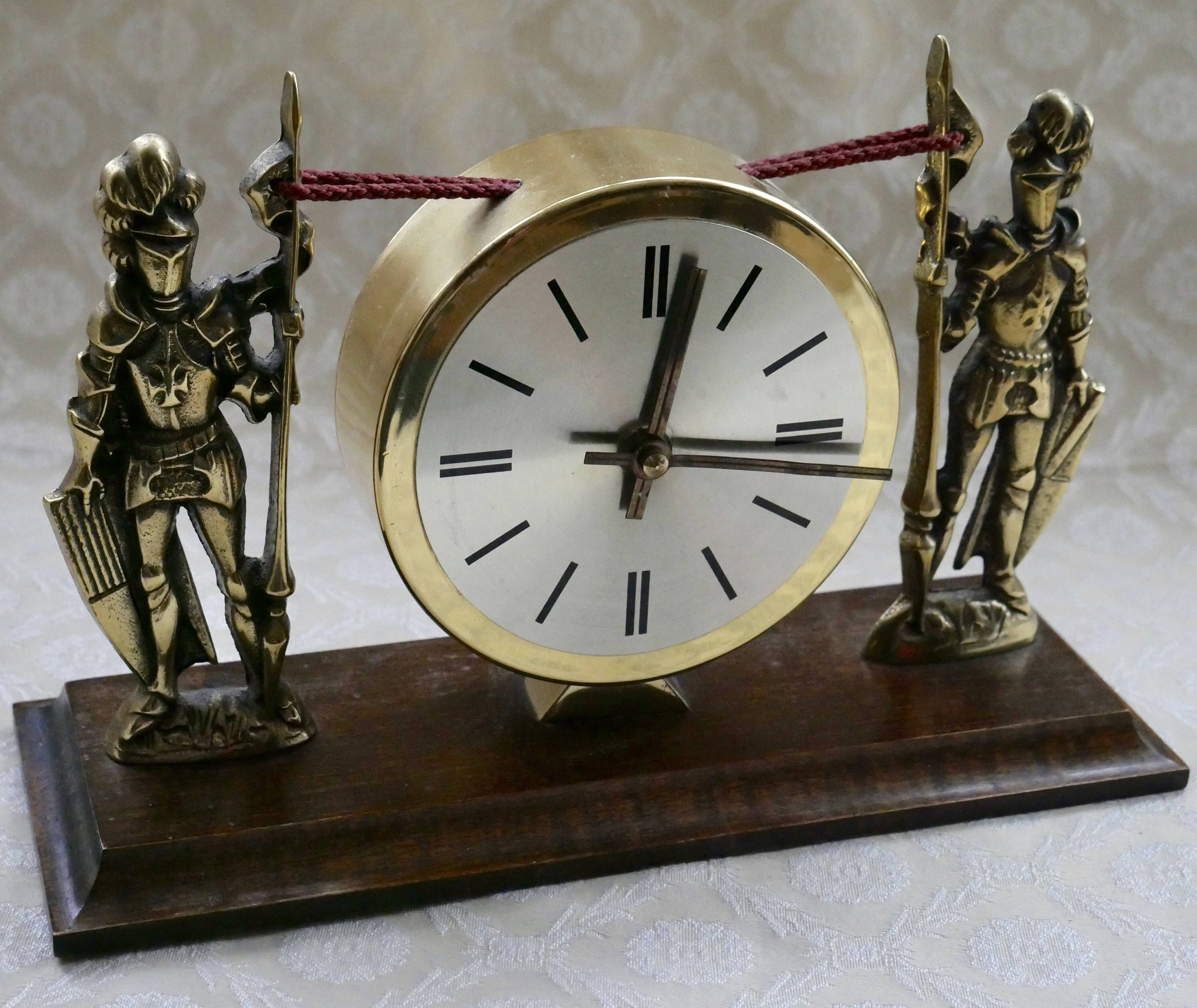 Vintage Mantle Clock Knight In Armour Wood Base Br Look Battery Operated