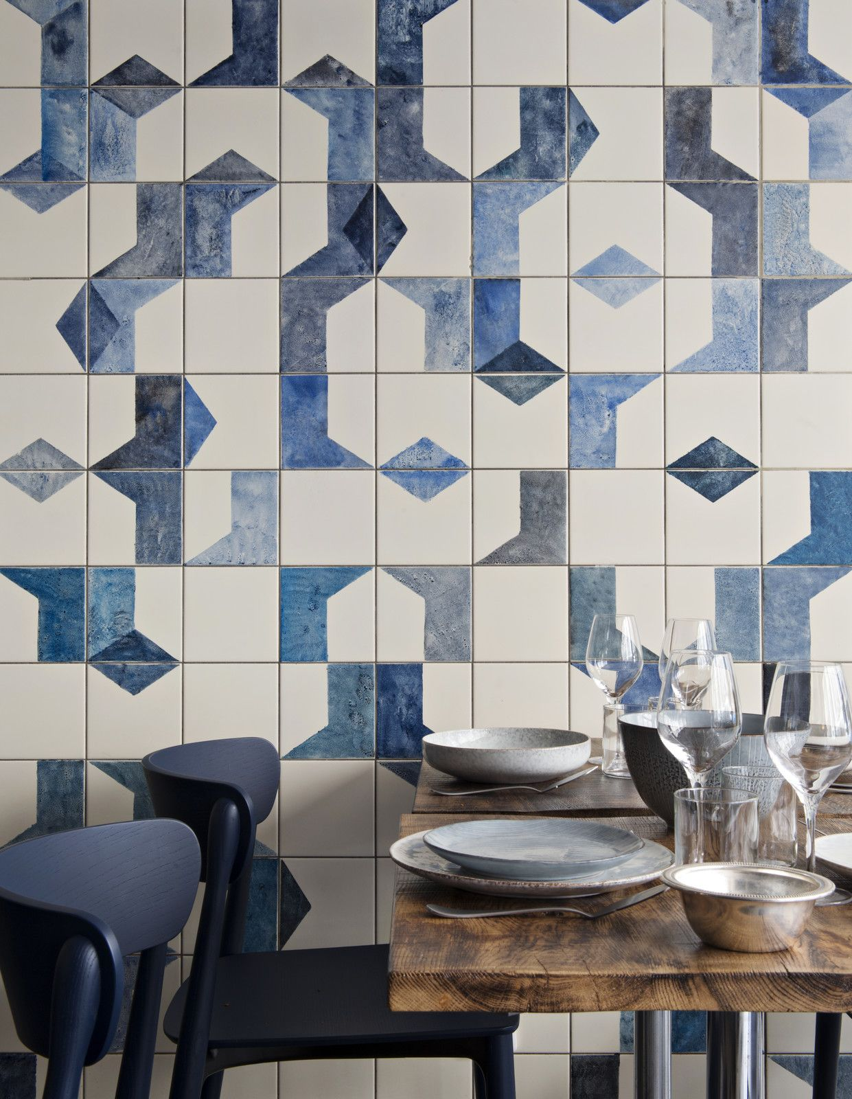 a parisian seafood restaurant, swimming in shades of blue