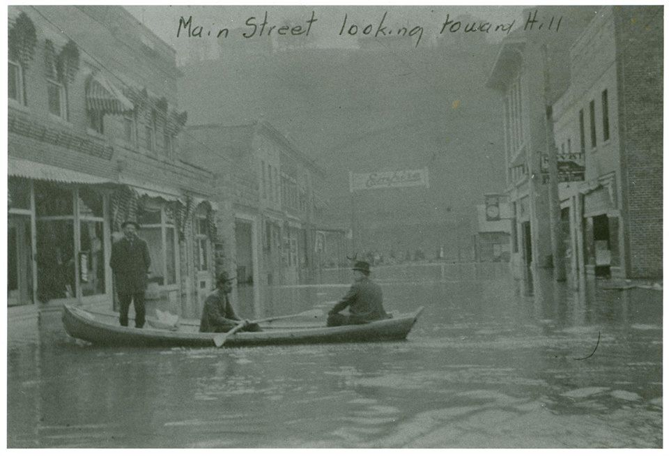 1918 Flood In Clendenin Wv West Virginia Old Pictures Virginia