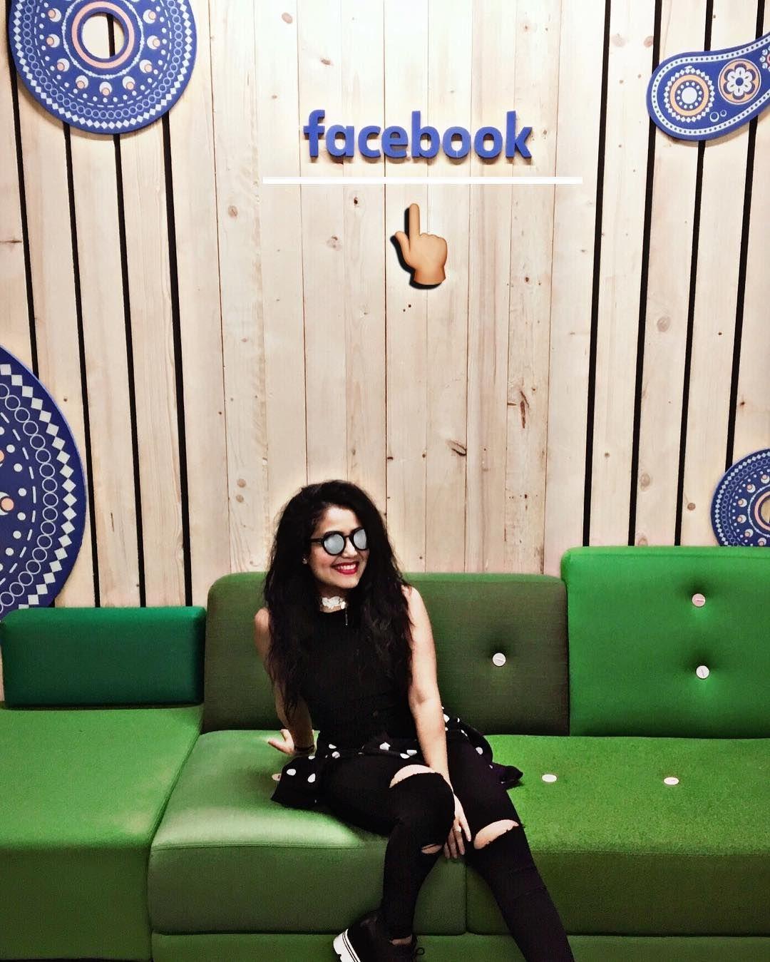 Thank You Facebook Neha Kakkar Neha Pendse Outfits