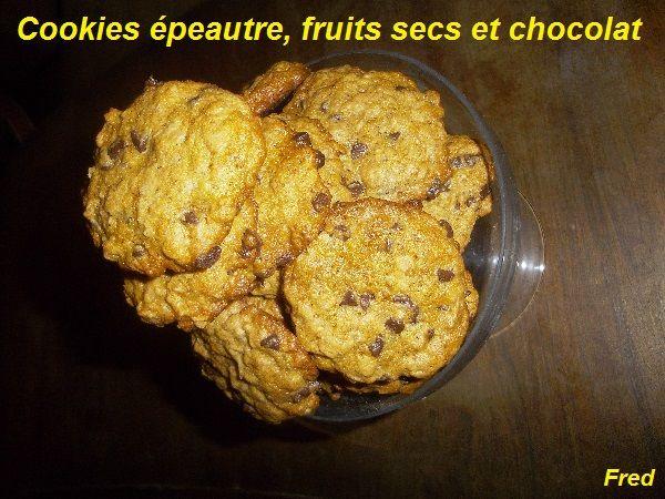 Les cookies sont définitivement les biscuits que l'on préfère à la maison! :-)  http://www.kazcook.com/blog/archives/1083-Cookies-epeautre,-fruits-secs-et-chocolat.html  Fred