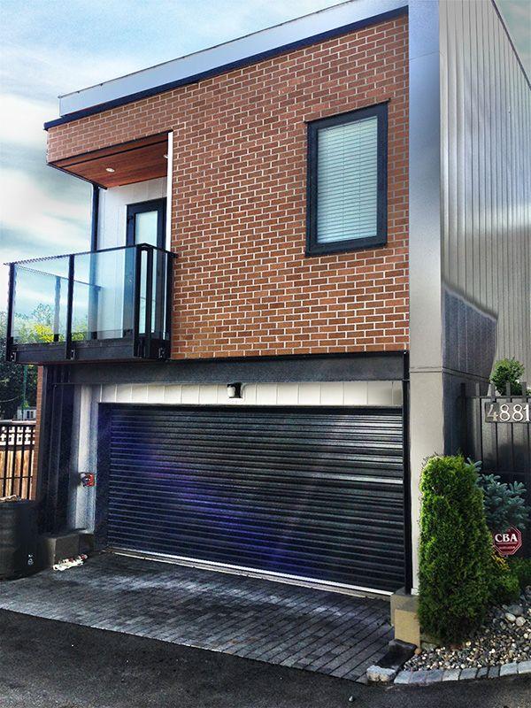 roll up garage door for a townhouse garagedoor