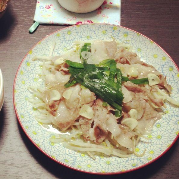 所要時間5分の超簡単レシピ - 6件のもぐもぐ - もやしと豚バラのレンチン by 5sait