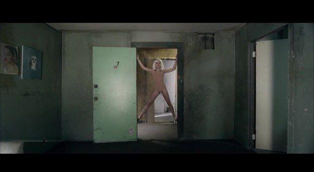 Sia chandelier music video people that rock pinterest maddie ziegler starred in sias music video chandelier aloadofball Images