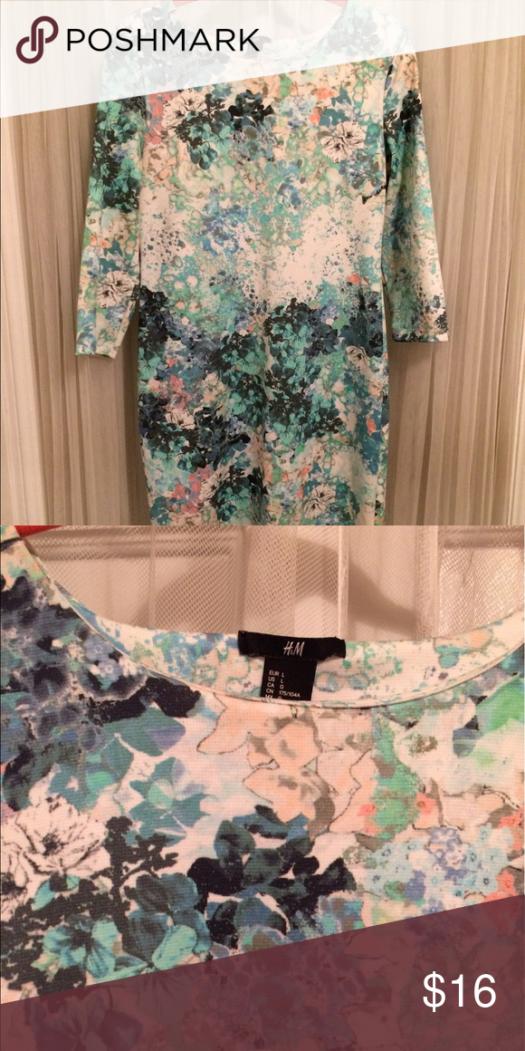Spring Paisley/Floral print H&M bodycon dress! Really cute fitted H&M floral print dress. Can be dressed up or down. H&M Dresses Midi