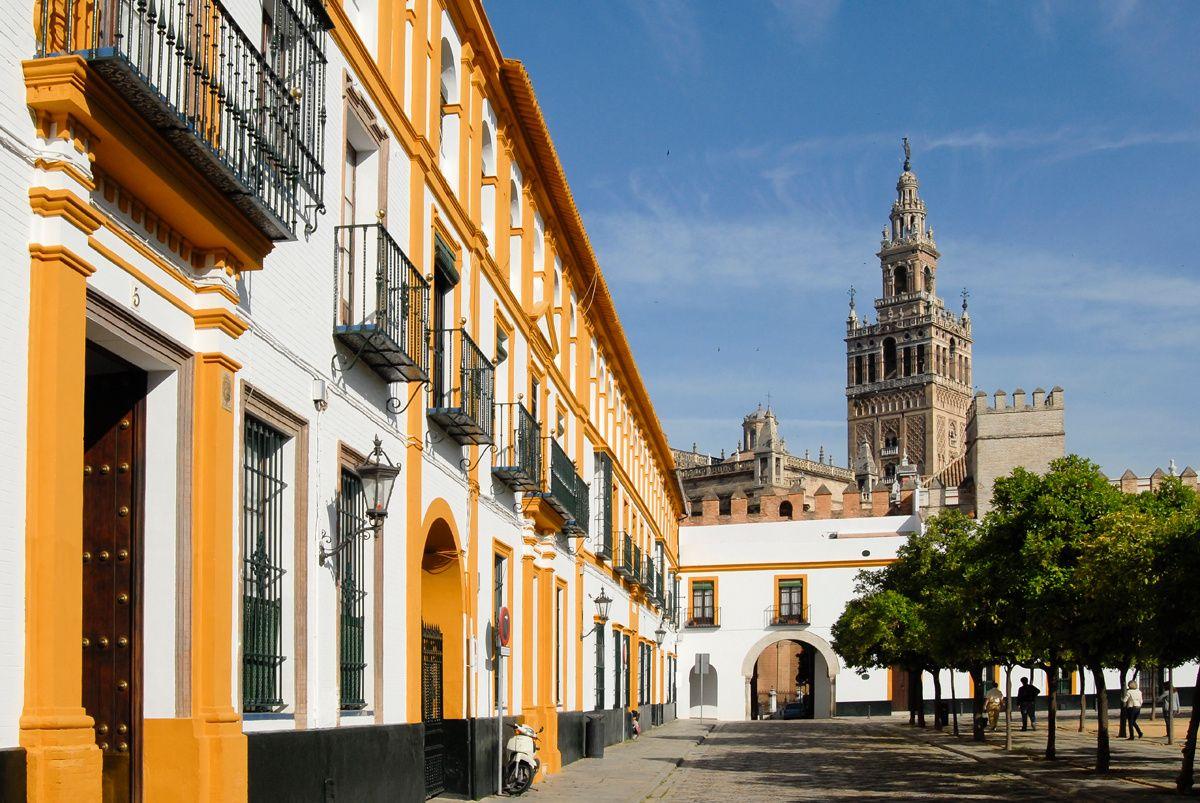 Amores De Barrio Los M 225 S Bonitos De Espa 241 A Sevilla