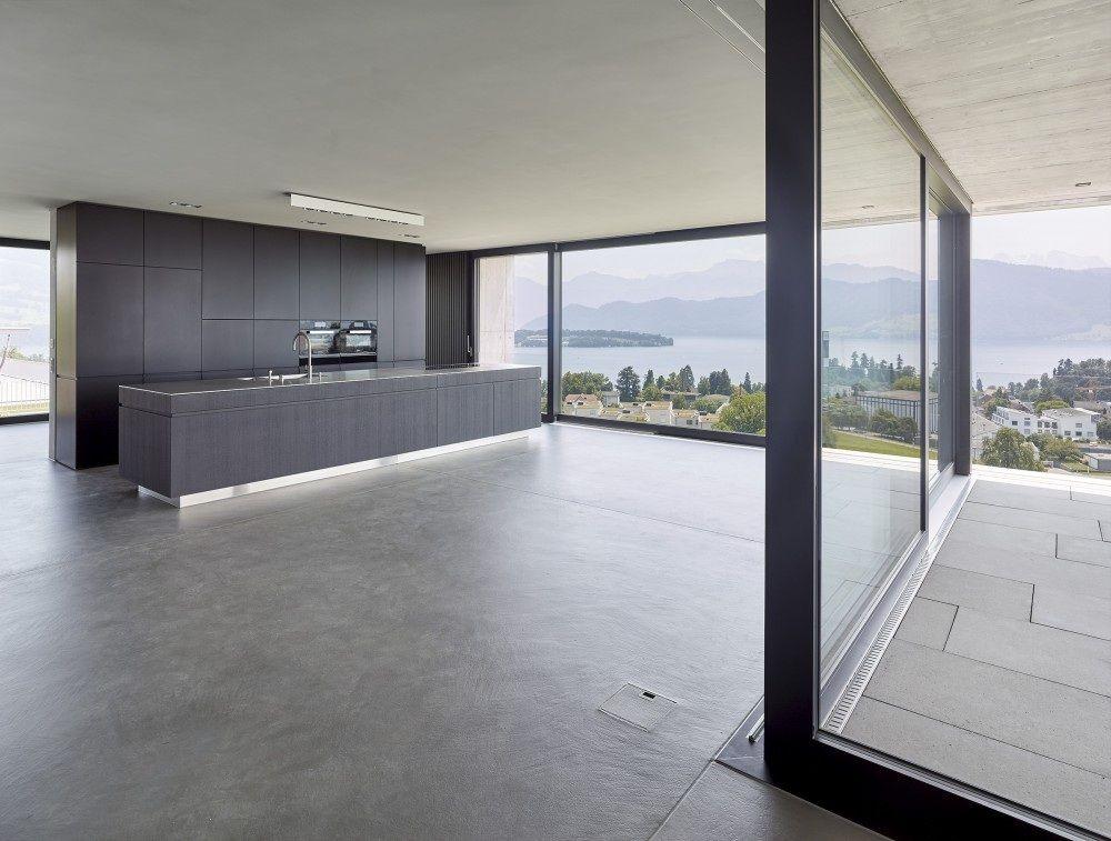 Küche mit 8 mm Edelstahlabdeckung, Fronten in Eiche sägerau ...
