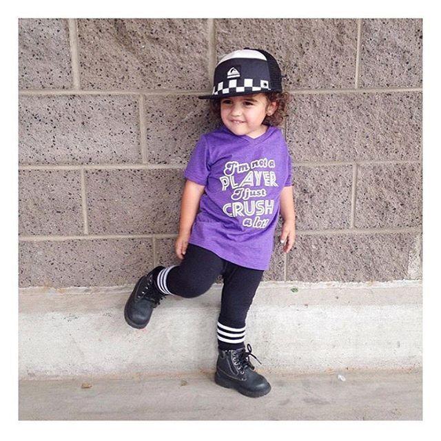 This rad kid is killin it in our purple •I'M NOT A PLAYER, I JUST CRUSH A LOT• tee 👊🏼 • • • • • #cutekidsclub #igfashion #kidzootd #instagram_kids #trendykiddies #babiesofinstagram #kidzfashion #kidslookbook #kids_stylezz #thechildrenoftheworld #igkiddies #flylittleguy #kidsfashion #toddlerfashion #harrypotter #quidditch #mischief #potterhead #harrypotterforever #hogwarts #ghost #ghoul #ghoulnextdoor #halloween #greysanatomy #person #youremyperson #bff