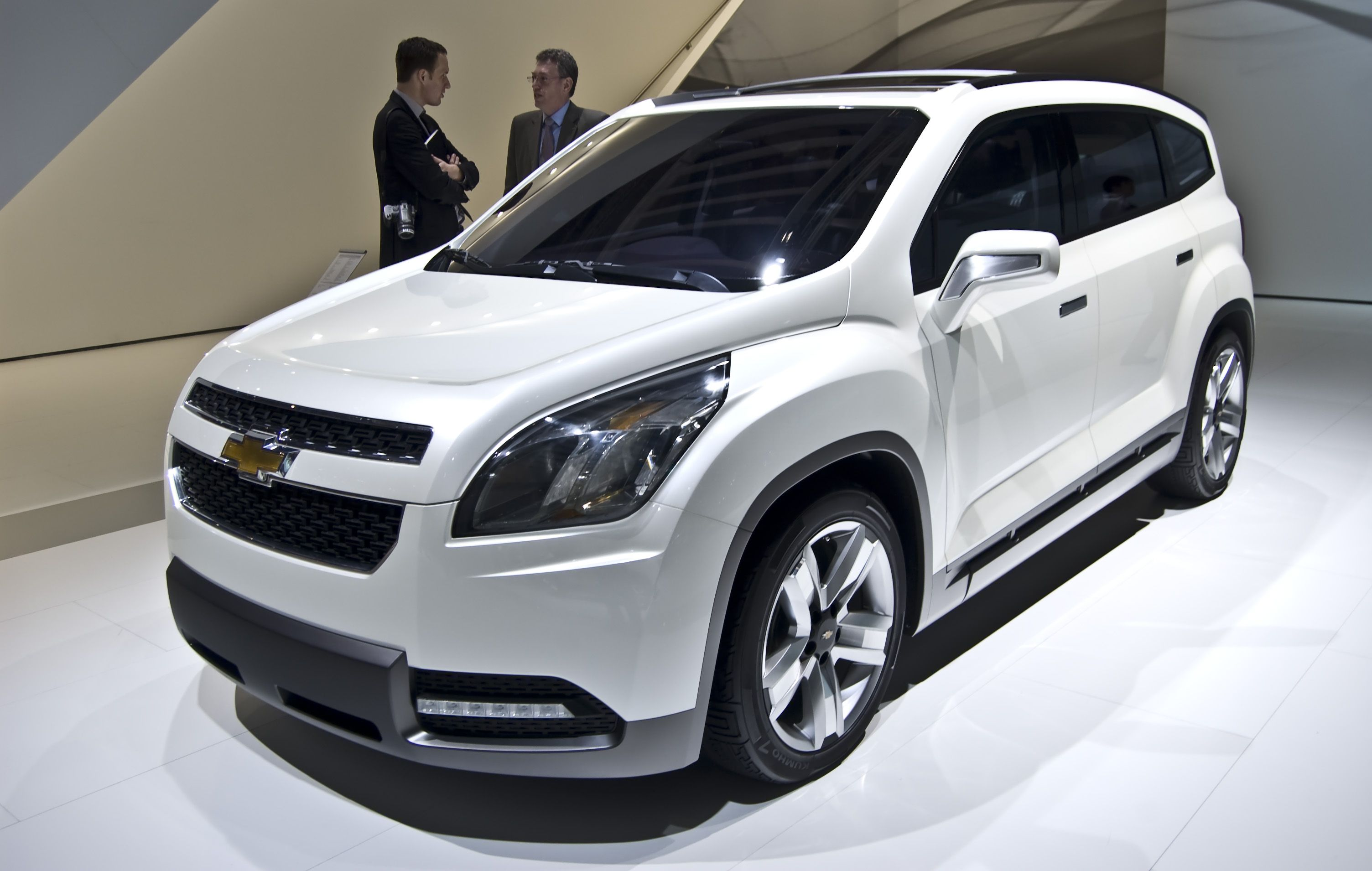 Chevrolet Orlando Pictures Information And Specs Auto