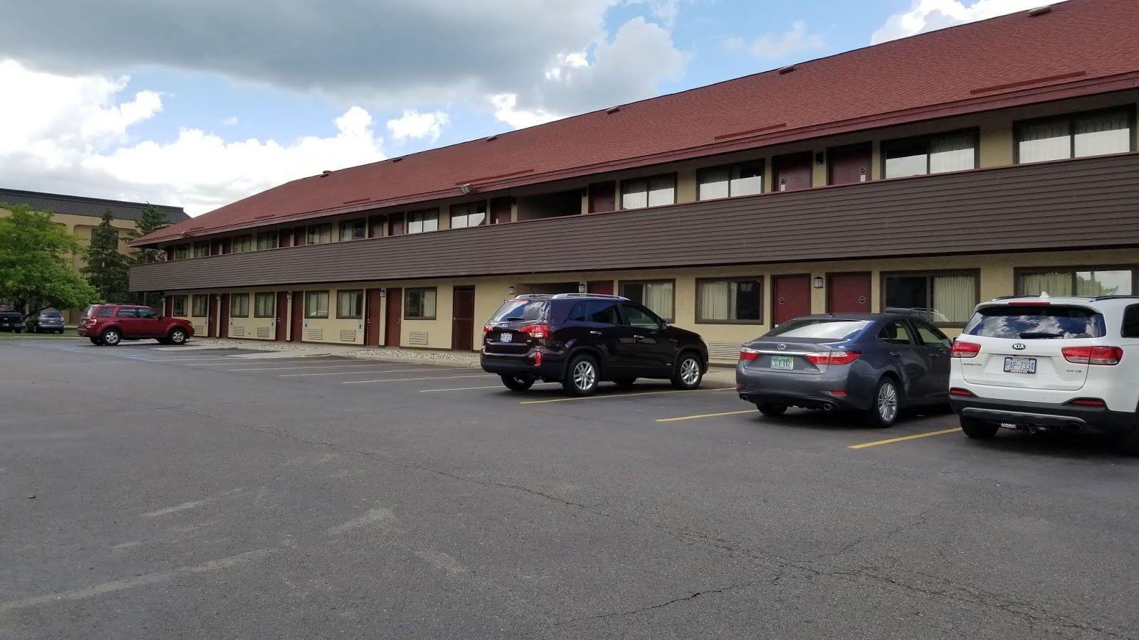 Hotel review Red Roof PLUS+ Ann Arbor, a convenient place