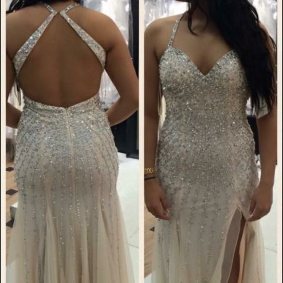 Champagne prom dress size 6 Only worn once, in great condition!! Dresses Prom
