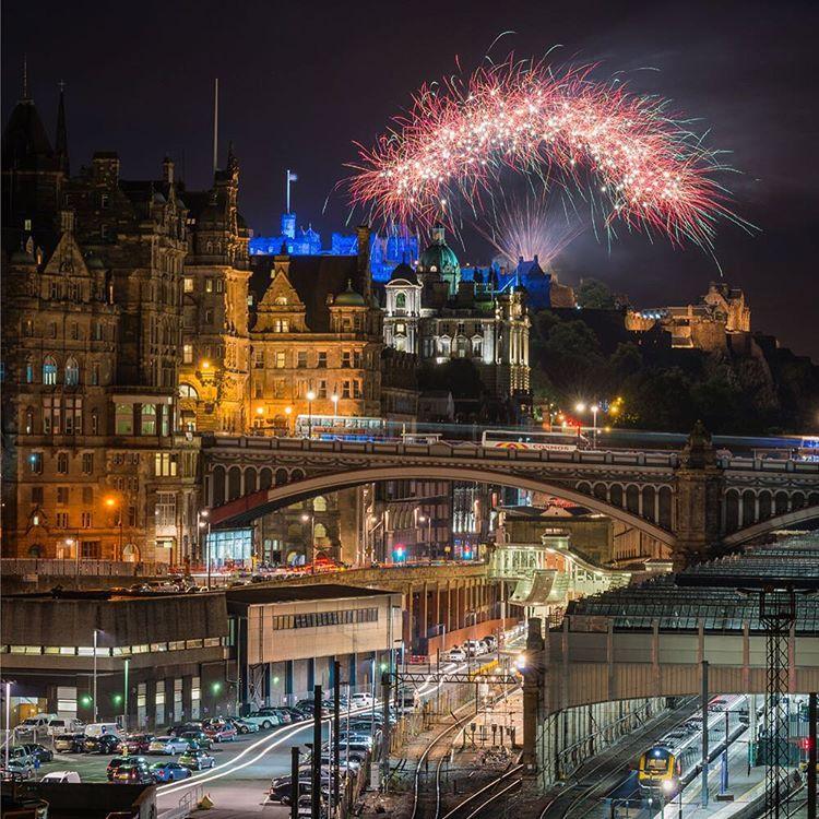"""Tattoo fireworks over the Castle and North Bridge. #edinburgh #edinphotowalks #thisisedinburgh #BrilliantMoments #vscotland #visitscotland #edinphoto…"""