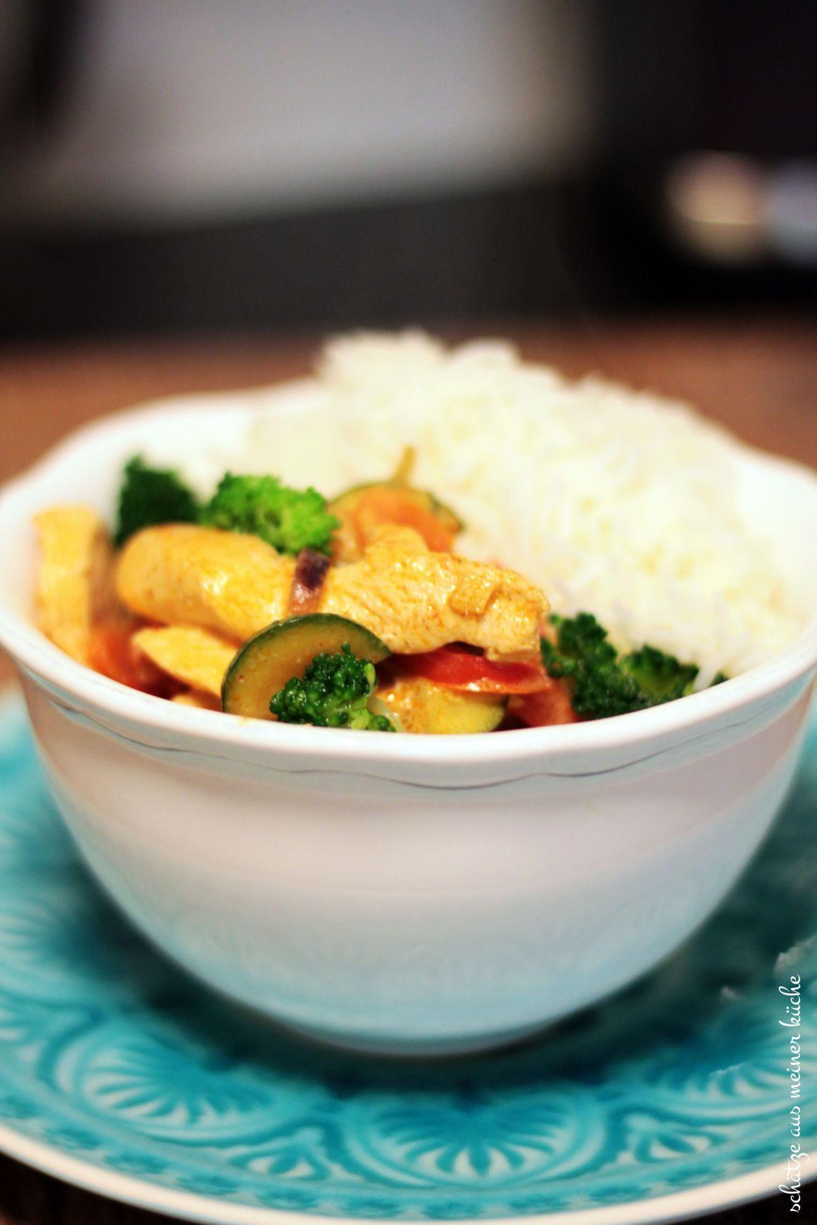 Rotes Thai-Curry mit Hühnchen & Gemüse #thaifoodrecipes