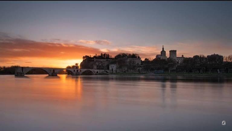 Avignon Pont st Benezet Et palais des papes