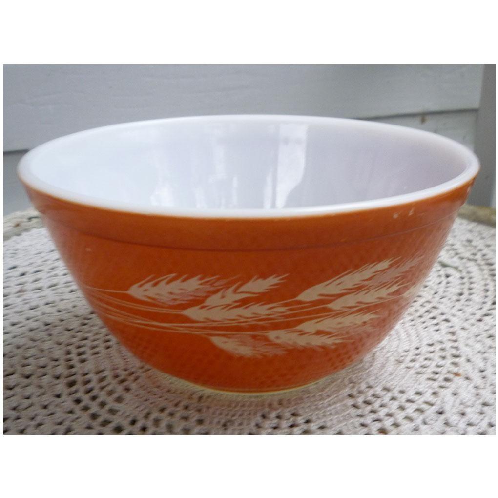 Vintage Autumn Harvest Pyrex Rust Dark Brown Small Mixing Bowl 402