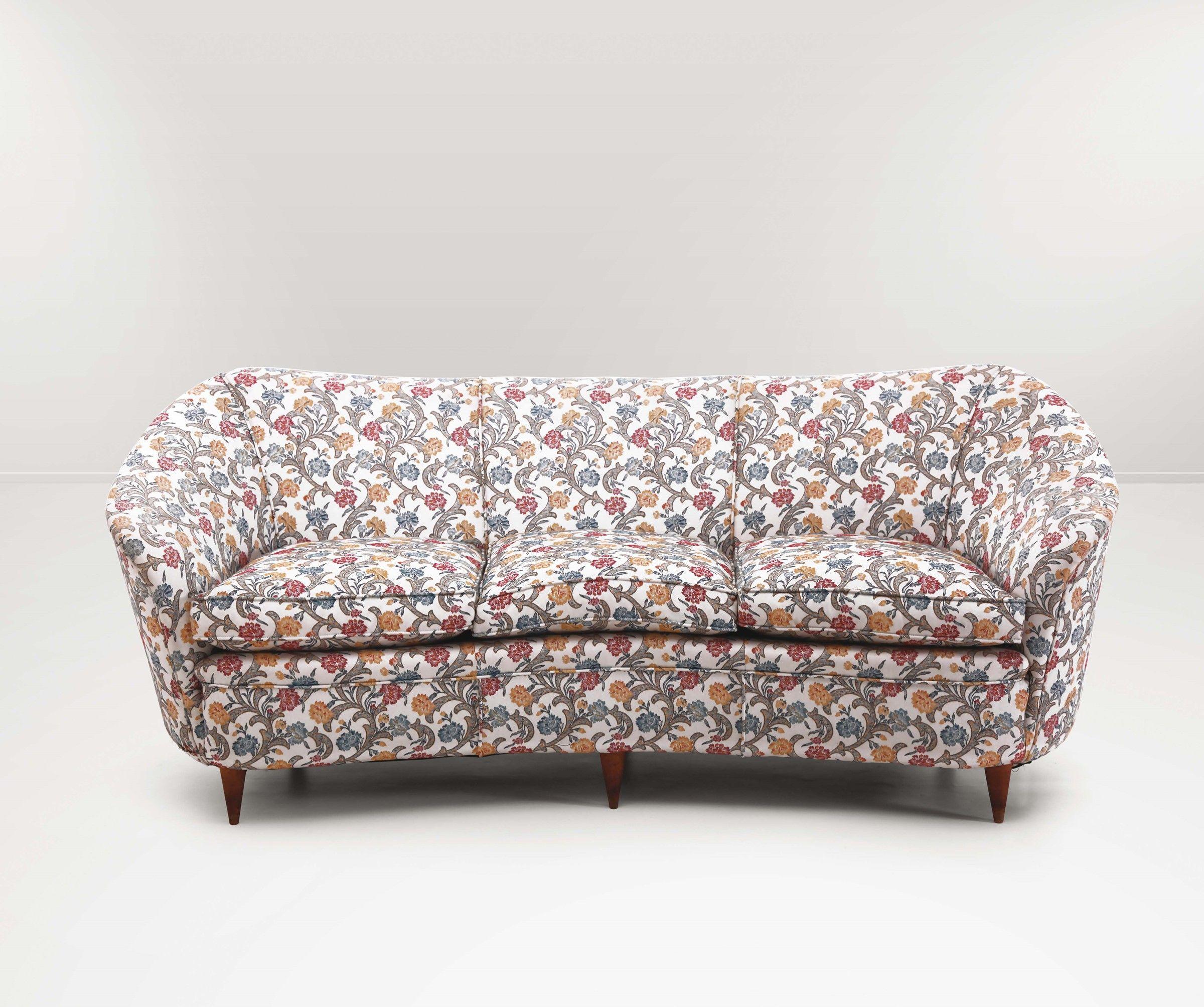 Gio Ponti, salotto composto da due poltrone e un sofa con