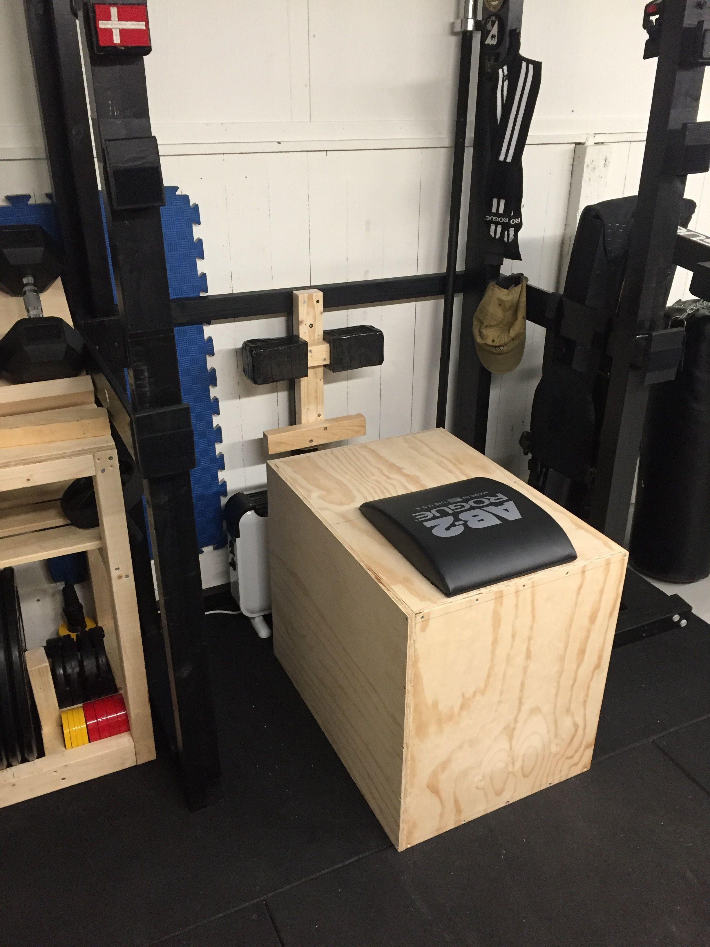 Diy Ghd Diy Pylo Box With Ab Mat Fun Project Diy Home Gym Diy Gym Diy Gym Equipment