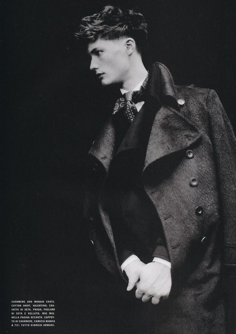 Fionn macdiarmid photographed by paolo roversi luomo february fionn macdiarmid photographed by paolo roversi luomo february 2005 russian opulence fandeluxe Choice Image