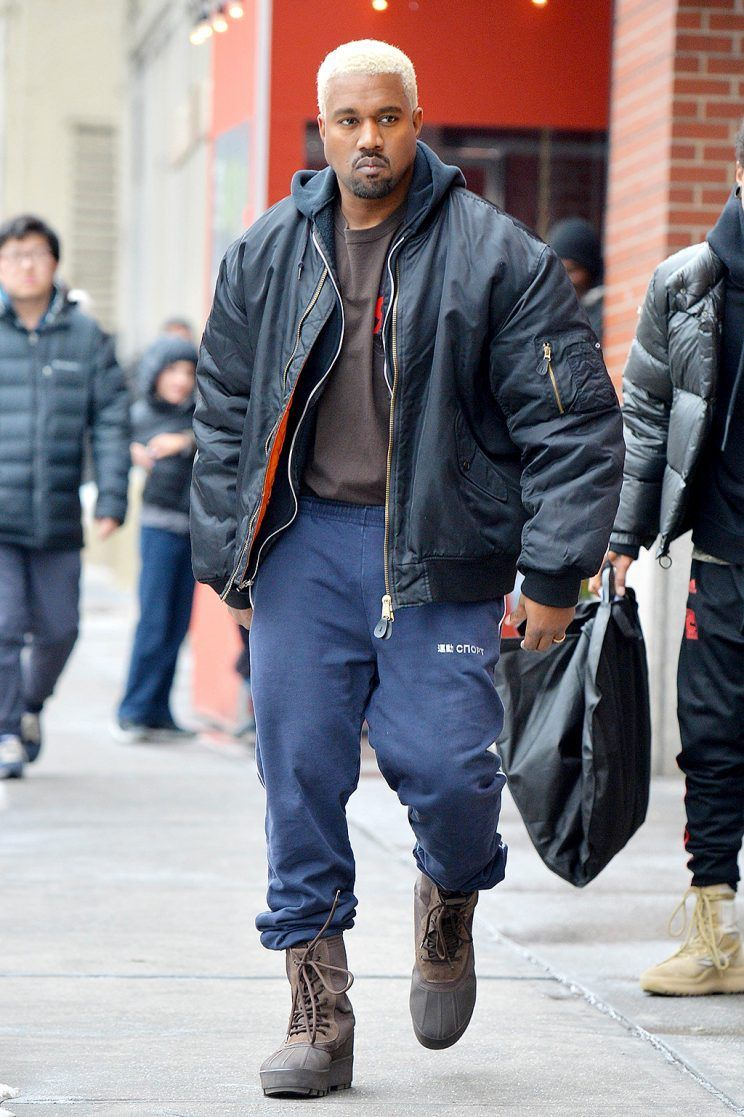 Kanye West Kicks Out The Press At Yeezy Season 5 New York Fashion Week Show Kanye West Style Kanye Fashion Mens Streetwear
