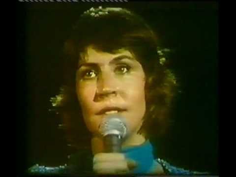Helen Reddy - 'I Am Woman' (Live) 1975