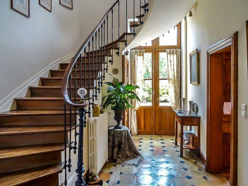 bel escalier d 39 h tel particulier maisons de r ve pinterest hotel particulier maison. Black Bedroom Furniture Sets. Home Design Ideas
