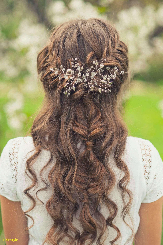 Inspirierende Halbe Bis Halbe Hochzeit Haar Mit Blumen Brautfrisur Haare Hochzeit Frisur Hochzeit Halboffen