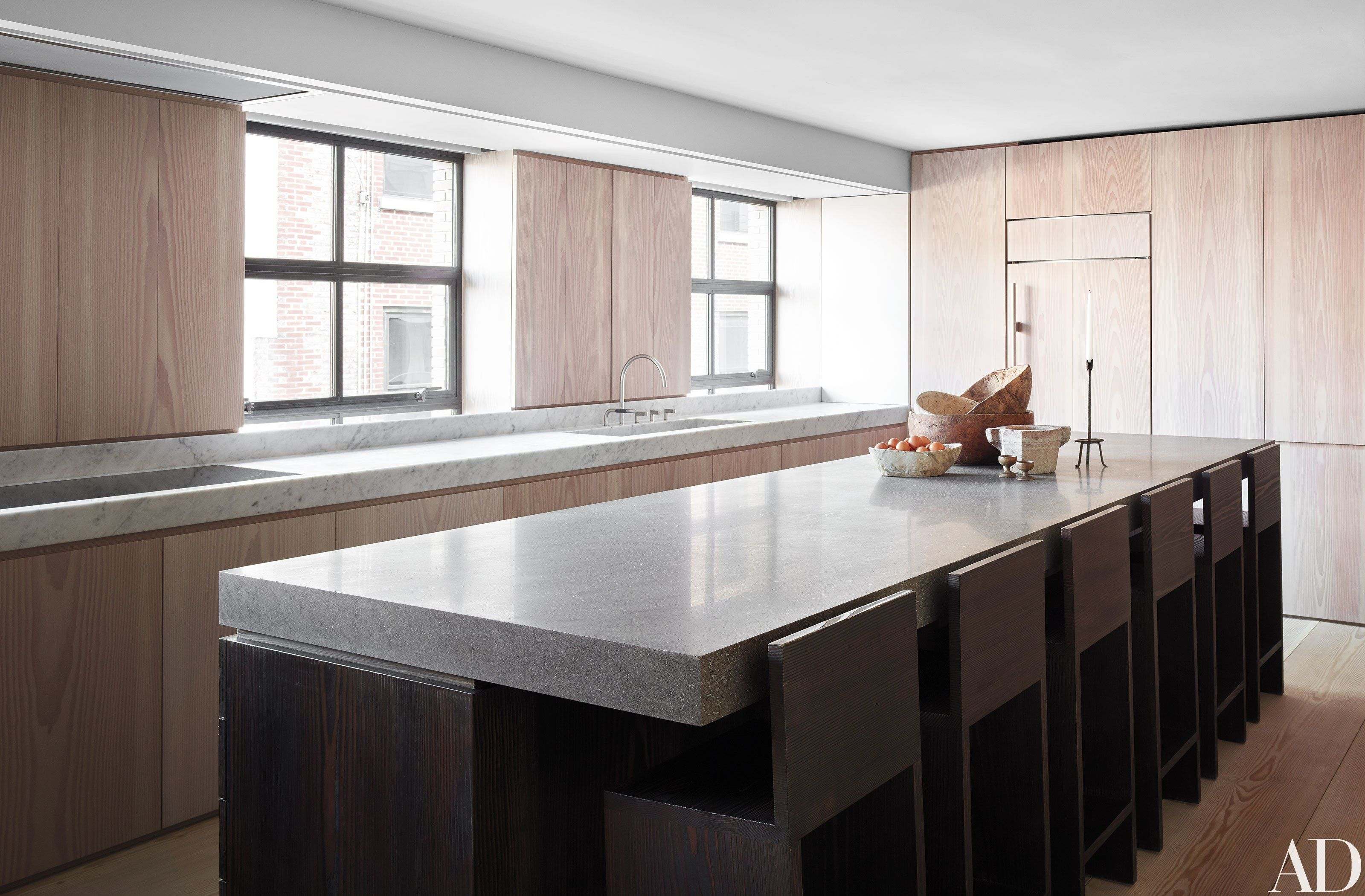 17 Pared Down Examples Of Minimalist Living Photos | Architectural Digest  Love These Kitchen Cabinets.