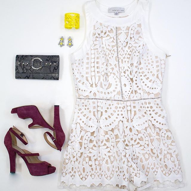 Python yellow and white dress.