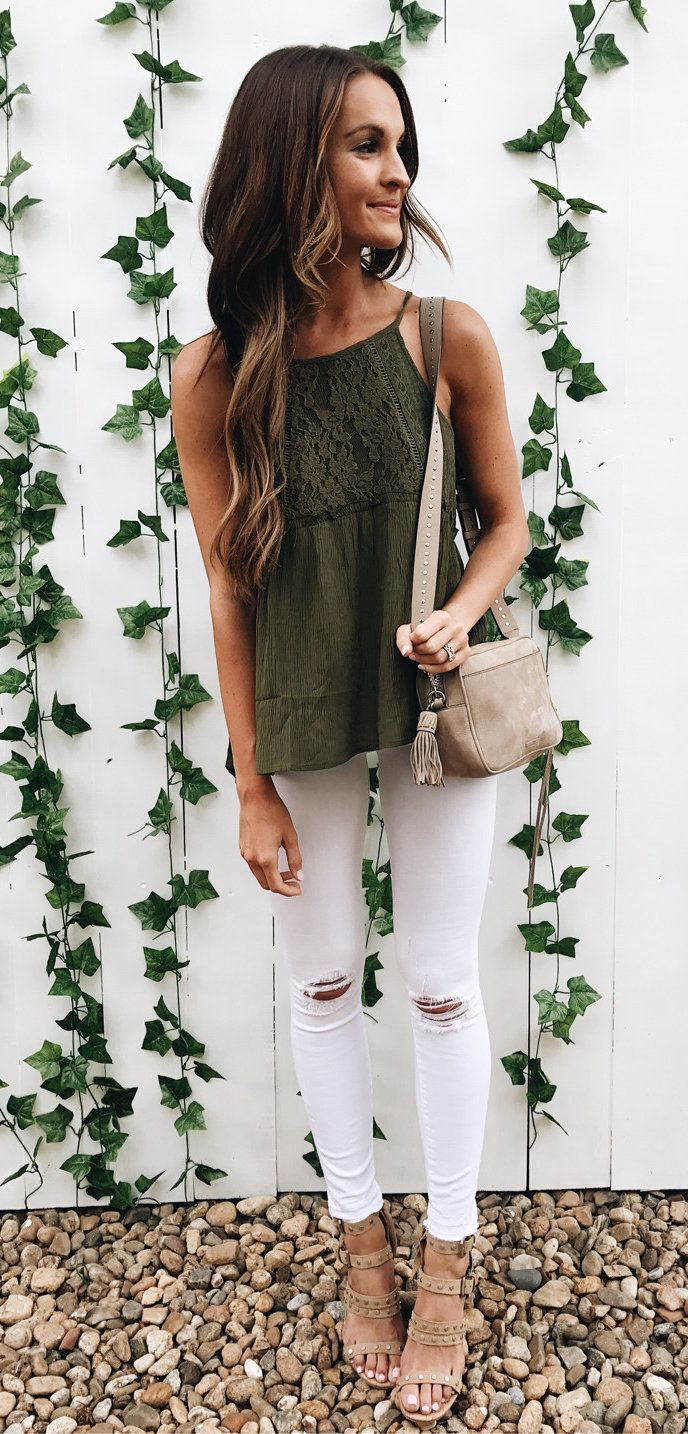 Summer Outfits And The Olive Obsession Continues This Top Is Under 40 So Easy To Dress Up Or Down Heading To Dinner With Tendenze Moda Abbigliamento Moda [ 1434 x 688 Pixel ]