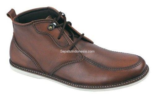 Pin Di Sepatu