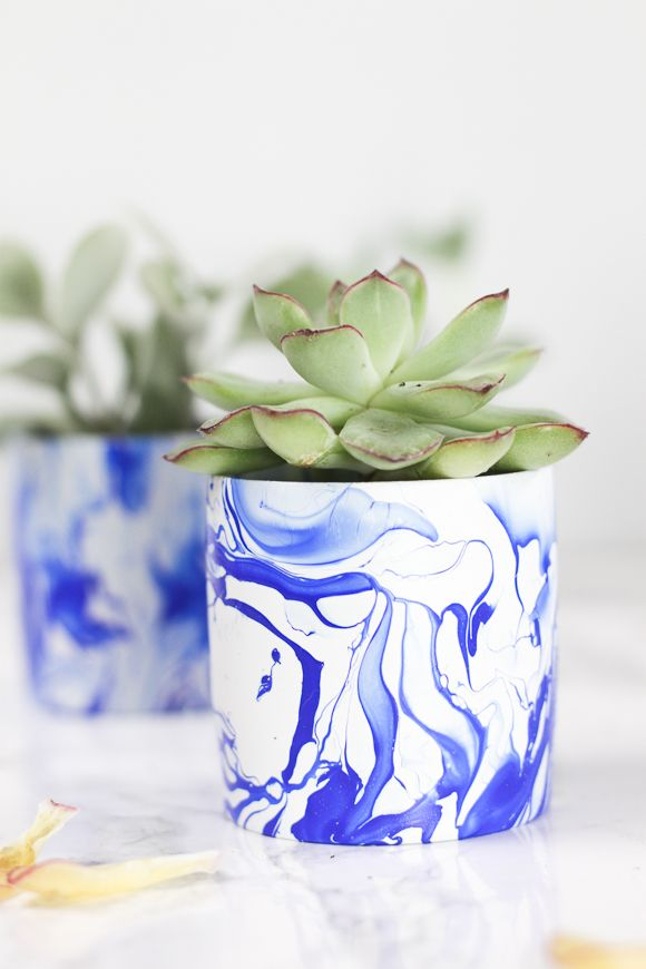 DIY INDIGO MARBLED MINI PLANTERS Planters Crafts and Diys