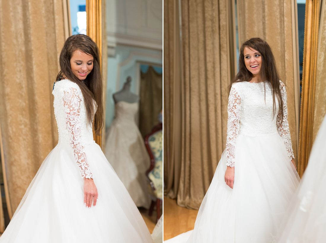 Beautiful jinger duggar tries on wedding dresses for Jessa duggar wedding dress