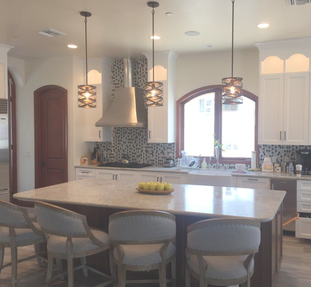 Curves and Charm in the transitional family kitchen.