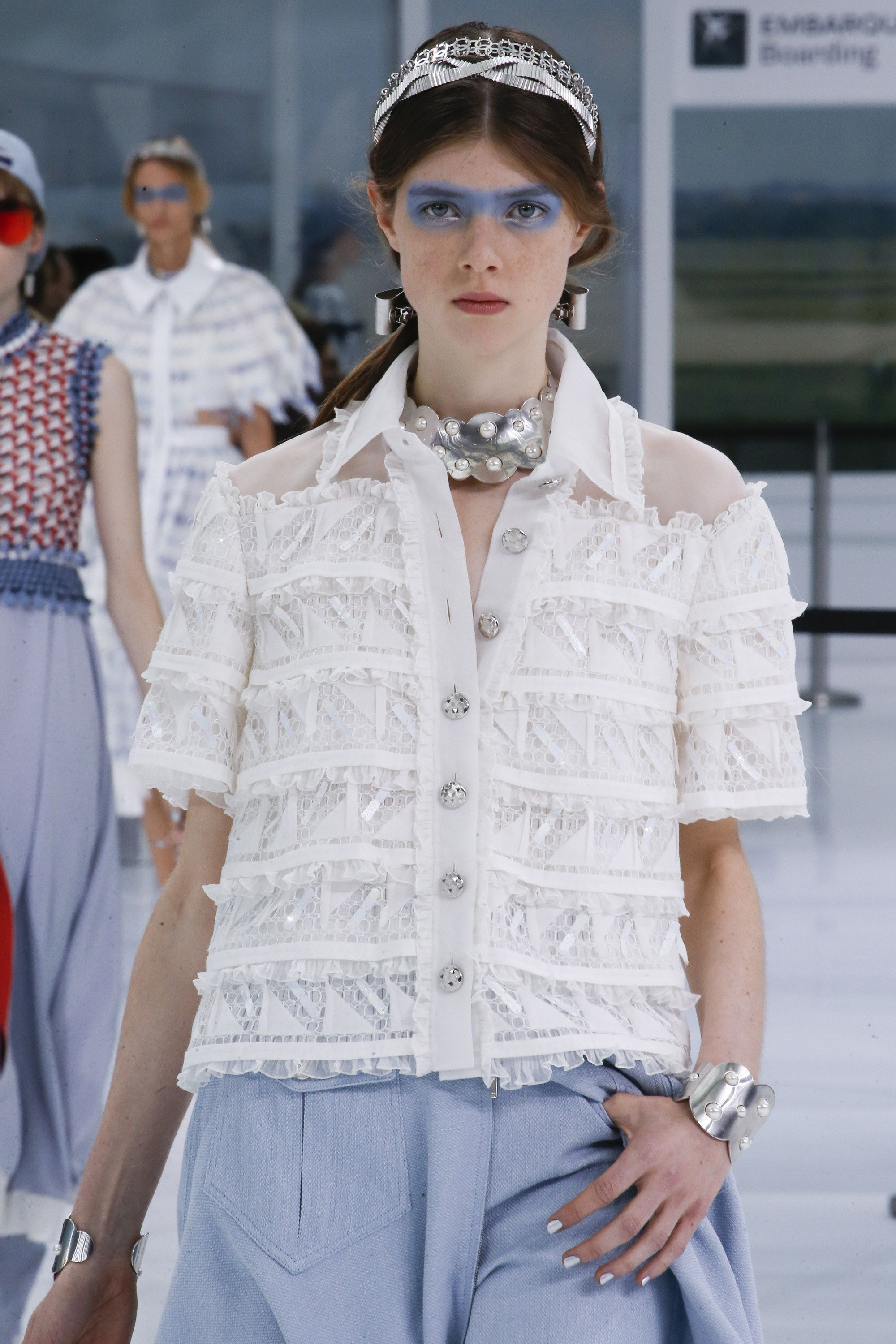 Chanel Spring 2016 Ready-to-Wear Collection Photos - Vogue#16