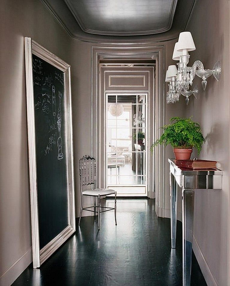 Awesome Entryway Decorating Ideas For Small Area #smallentryway #entrywaydecoration