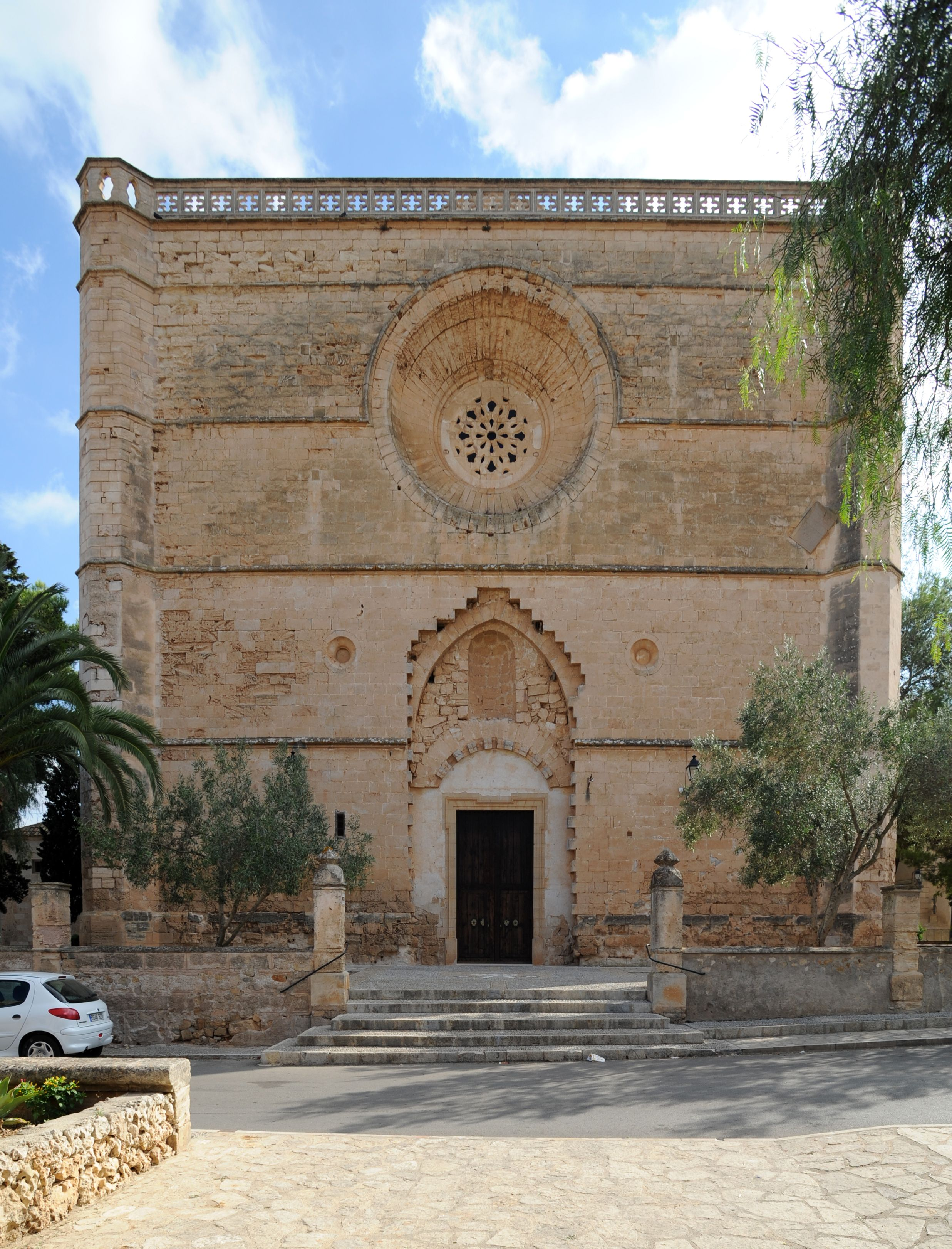 Mallorca Iglesia De S Pedro En Petra Mallorca Edificios Iglesia