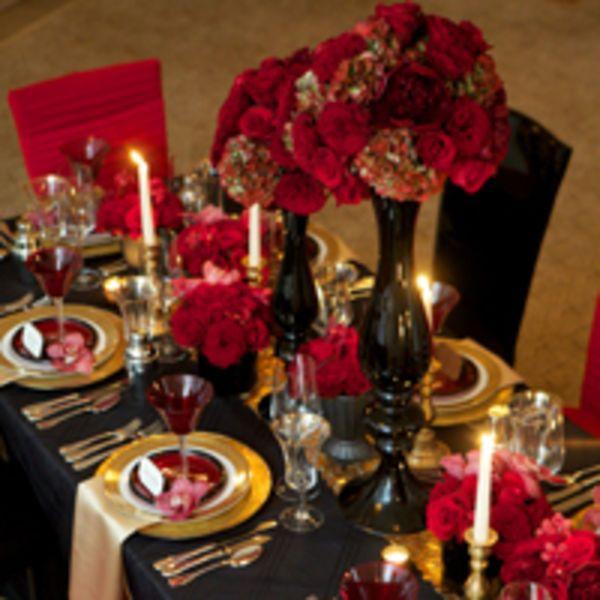 10 Ways To Add Big City Glam Your Wedding Reception