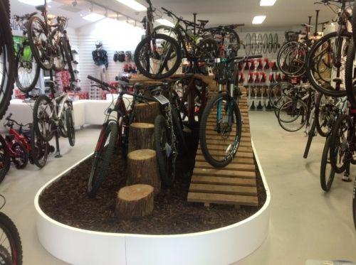201305211404519f596261a10f1ec116d07288edcbe444 Jpg 500 373 Tienda De Bicicletas Bicicletas Diseno De Tienda