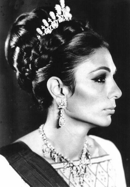 Farah Diba Pahlavi Tiaras Familias Reais Princesas