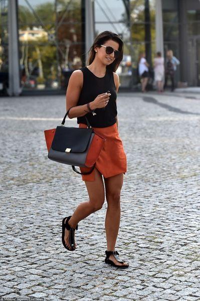 Anna Lewandowska Mateusz Jagielski East News Wulgarny Gest Anny Lewandowskiej 1 7 Styl Pl Twoja Inspiracja Fashion Summer Fashion Womens Fashion