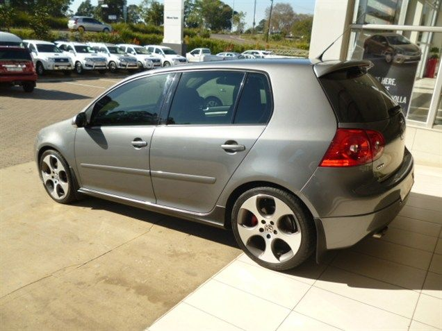 Experience the Hype About Hatchback's with this Elegant 2008