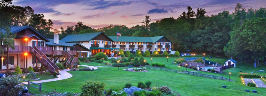 The Switzerland Inn Has Delighted Nc S Blue Ridge Parkway Visitors Since 1910 Sweeping Mountain Views And A Variety Of Recently Remodeled Hotel Rooms