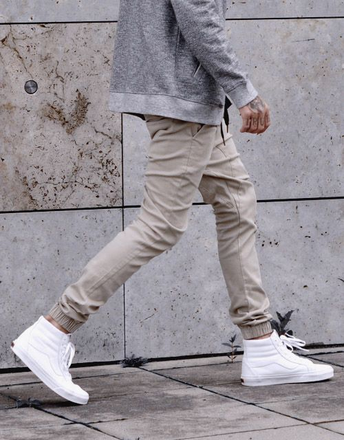fabulous outfits with joggers and vans