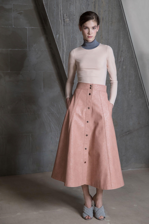 Vika Gazinskaya Fall 2017 Ready-to-Wear Fashion Show   Estilo ...
