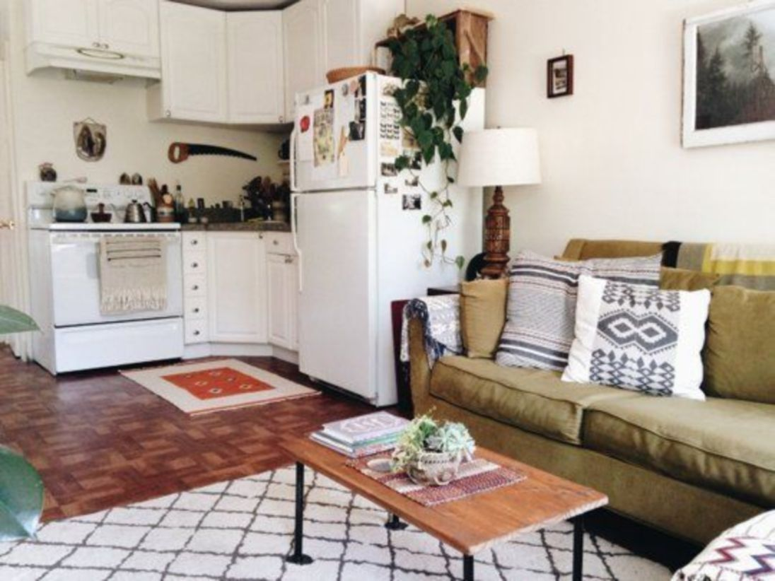 33 Beautiful Small Apartment Kitchen Decor images